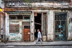 Habana walking